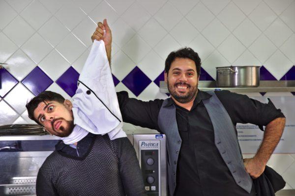Diógenes D. Lima e Thiago Ambrieel leva para cozinha três tragédias do bardo inglês