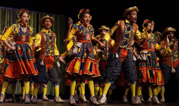 Montada originalmente como quadrilha junina, a peça foi adaptada para o palco