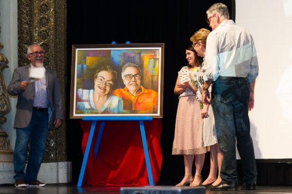Homenageados desta edição ganham quadro pintado por Cleusson Viana