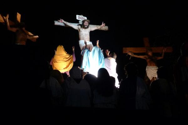 Cena da Crucificação. Foto Ivana Moura
