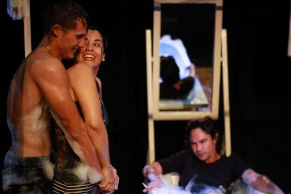 Espetáculo cubano Jacuzzi integra programação. Foto: Lázaro Wilson